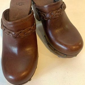 UGG Brown Leather Mule Clogs Slip On Shearling